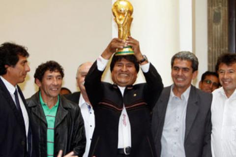 Postulacion-de-Bolivia-se-formaliza-para-ser-subsede-del-Mundial-2030