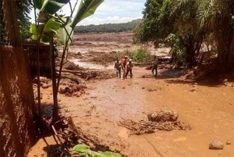 Ruptura-de-un-dique-minero-en-Brasil-deja-200-desaparecidos