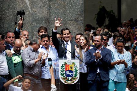 -Esta-vez-si-,-el-momento-esperado,-la-esperanza-venezolana-rodea-a-Guaido