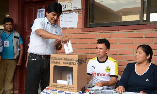 Morales-vota-en-las-primarias-y-afirma-que-se-inicia-la-democratizacion-de-los-partidos-politicos