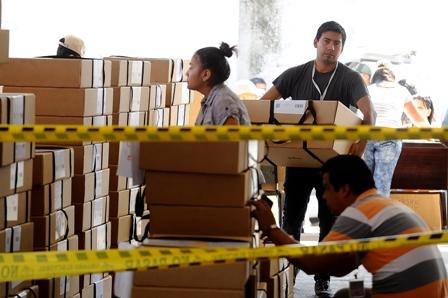 Primarias-busca-desactivar-el-21F,-Militantes-politicos-se-concentran-en-las-urnas