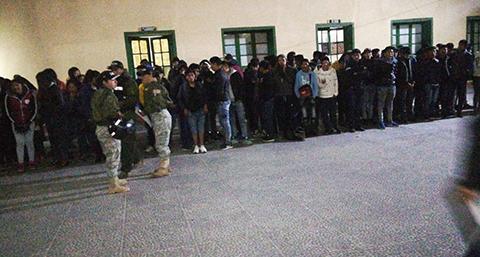 118-personas-fueron-arrestadas-en-un-local-de-consumo-de-bebidas-alcoholicas