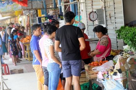 Escasez-de-verduras-en-varios-mercados-de-Santa-Cruz