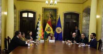 El-Gobierno-se-reunio-con-representantes-de-la-OEA