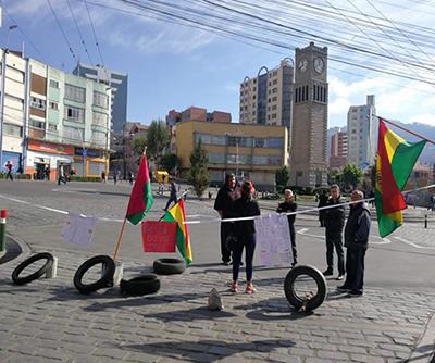 Los-bloqueos-persisten-en-la-ciudad-de-La-Paz