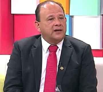 Presidente-del-Colegio-Medico-de-Bolivia-ahora-es-Viceministro-de-Salud