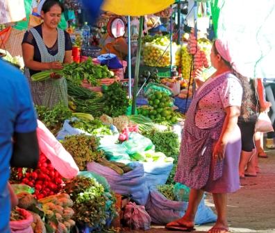Verduras-y-frutas-siguen-costando-el-doble-en-los-mercados