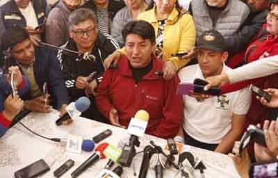 Camacho-y-Pumari-iran-a-las-elecciones--si-el-pais-lo-demanda-
