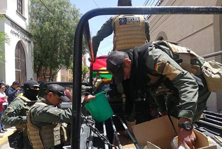 La-Policia-acude-a-Vil-Vila-a-dispersar-ataques-de-grupos-afines-al-MAS