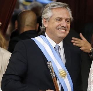 Alberto-Fernandez-juro-y-es-nuevo-presidente-de-Argentina