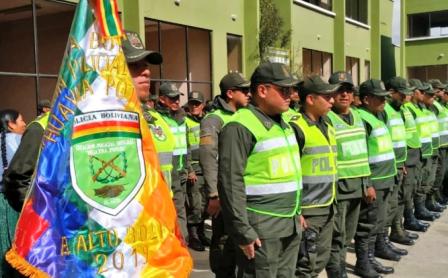 Policia-vuelve-a-El-Alto-y-mira-al-Chapare