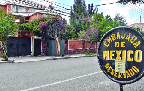 Mexico-revela-que-son-nueve-los-asilados-en-su-residencia-en-La-Paz