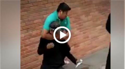 Hombre-golpea-y-estrangula-a-funcionario-municipal-por-remolcar-motocicleta
