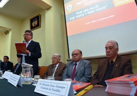 Medicos-proponen-el-Sistema-Boliviano-de-Salud