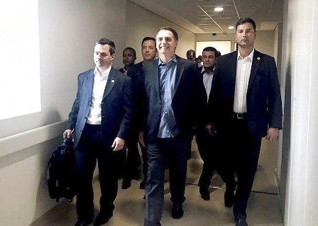 Bolsonaro-sale-del-hospital-tras-17-dias