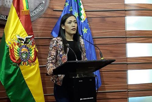 Salvatierra-presento-su-renuncia-voluntaria-a-la-nacionalidad-chilena