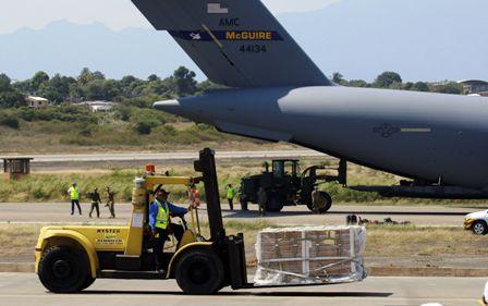 EEUU-descarga-mas-ayuda-para-Venezuela