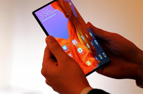 Huawei-lanza-el-Mate-X,-el-telefono-plegable-5G-mas-rapido-del-mundo