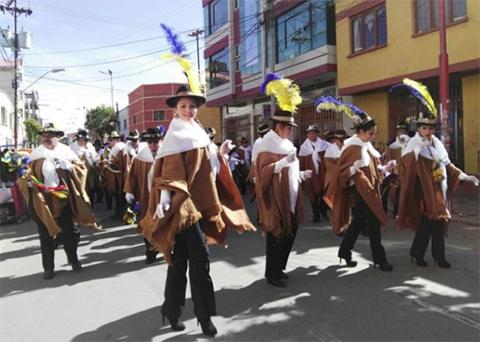 52-fraternidades-participan-en-el-ultimo-convite-del-Carnaval-de-Oruro