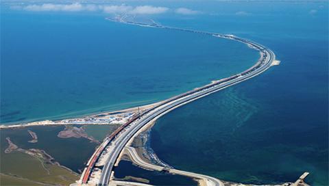 Rusia-solo-necesito-27-meses-para-construir-el-puente-mas-largo-de-Europa