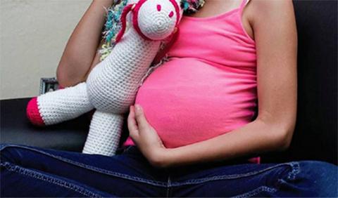 Obligan-a-una-nina-de-11-anos-a-dar-a-luz-por-cesarea-tras-ser-violada