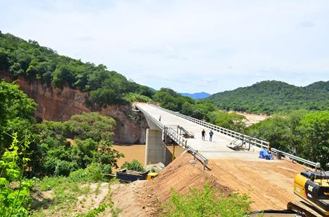 Manana-habilitan-paso-por-el-puente-Rio-Grande
