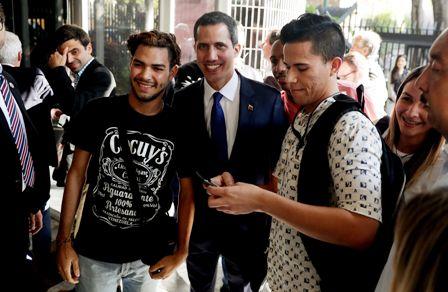 Perseguidos-apoyan-a-Juan-Guaido