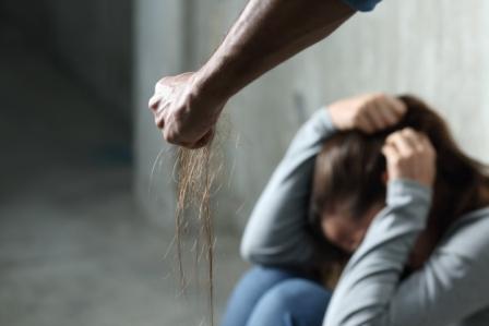 Iglesia-pide-detener-el-abuso-de-poder