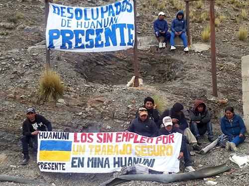Desocupados-toman-complejos-de-la-empresa-Minera-de-Huanuni