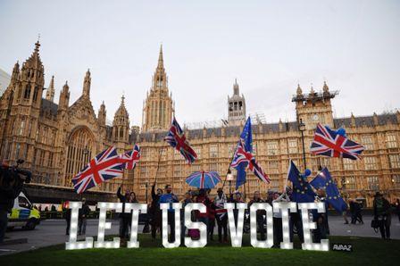 May-ofrece-renunciar-por-el-Brexit