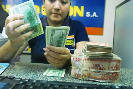 Banco-Union-vendera-dolares-a-casas-de-cambio