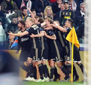 Messi-rompe-la-maldicion,-Ajax-elimina-a-Juventus-en-Torino