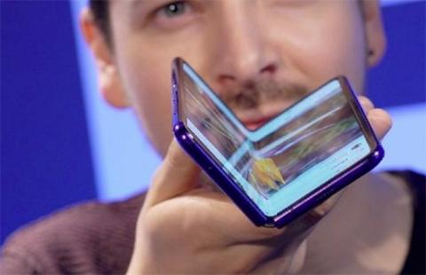 Duras-criticas-recibe-el-primer-celular-flexible-de-Samsung-por-problemas-en-la-pantalla
