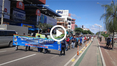Estibadores-marchan-en-La-Ramada,-exigen-a-la-Alcaldia-licencia-para-trabajar