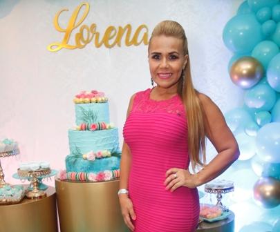 Lorena,-feliz-en-su-cumple