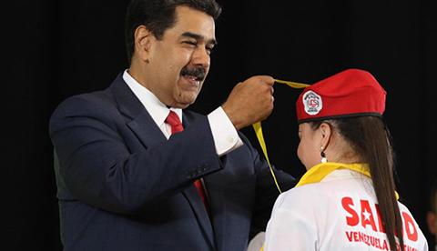 Maduro:--Tuvimos-que-traer-un-grupo-de-500-soldados-cubanos.-Perdon,-se-me-chispoteo-