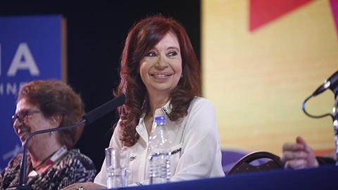 Juntan-mas-de-220-mil-firmas-para-que-se-inicie-juicio-a-Cristina-Kirchner