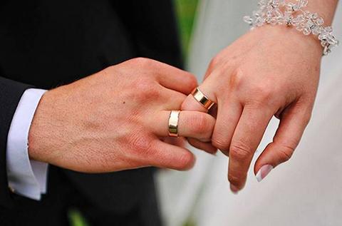 Reclusa-contrae-matrimonio-con-un-policia-en-el-penal-de-Palmasola
