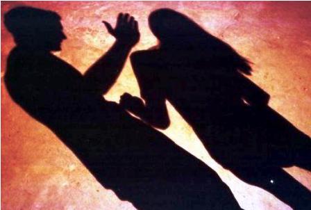 Suspenden-a-docente-acusado-de-violacion
