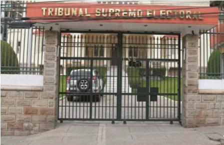 Otra-renuncia-en-el-Tribunal-Supremo-Electoral