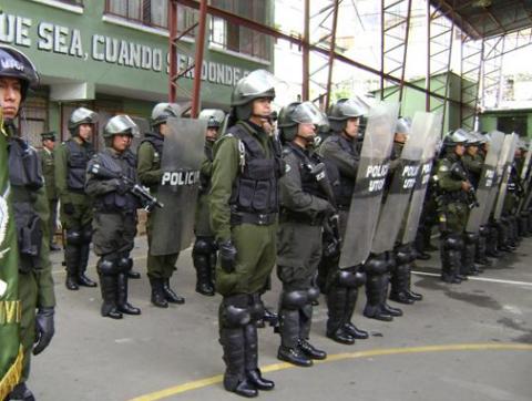 Centenar-de-policias-parten-a-San-Julian