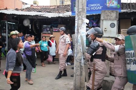 Resultado de imagen para la ramada agreden a gendarmes