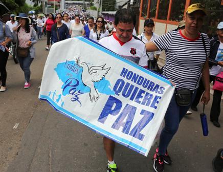 Honduras-en-crisis-y-con-un-presidente-en-apuros