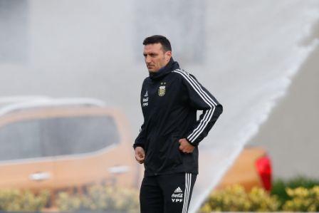 Ya-se-encuentra-en-Brasil-en-espera-al-debut-copero
