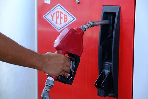 YPFB-comprara-mas-alcohol-anhidro-para-impulsar-produccion-de-gasolina-especial-87