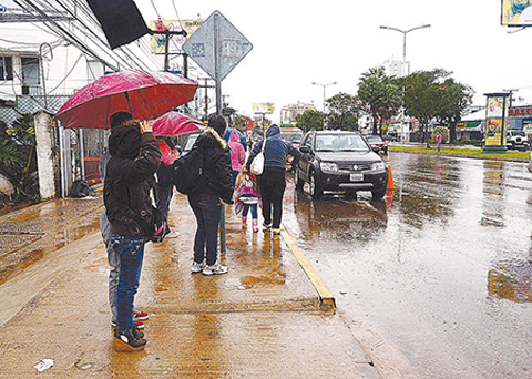 Aliste-paraguas:-Ingresa-frente-frio-con-lluvias-a-Santa-Cruz