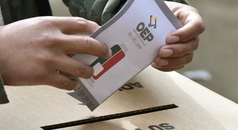 MAS-asegura-que-le-sobran-candidatos-mientras-la-oposicion--mendiga-