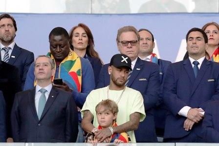 PSG-anuncia-sancion-a-Neymar-por-faltarse