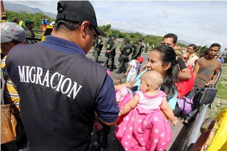 Imparable-exodo-de-venezolanos,-huyen-de-la-inseguridad,-violencia-y-falta-de-alimentos