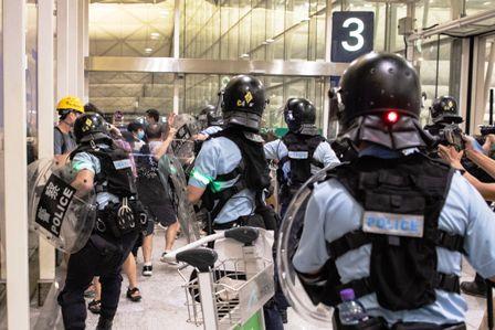 Otra-jornada-de-violencia-en-Hong-Kong-